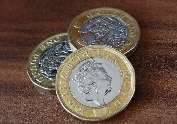 Investing in the United Kingdom as a U.S. Citizen